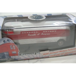 Greenlight 1940 GM Futurliner  display bus Parade of Progress 1/64 LTD