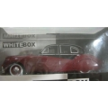 White Box Jaguar  Mk 7 1954 Black/Maroon 1/43 M/B