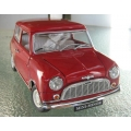 Kyosho Morris Mini 850 red 1/18