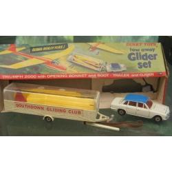 118 Dinky Triumph 2000 with glider trailer